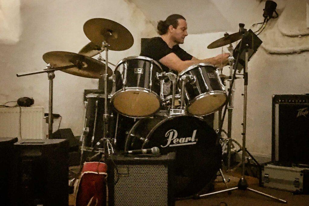 Am Schlagzeug – Andreas